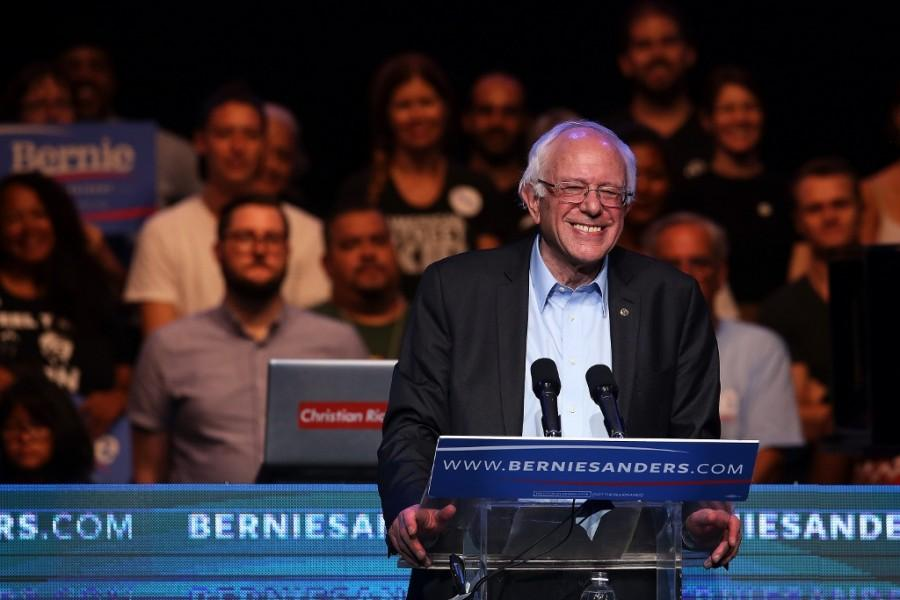 Democratic+presidential+candidate+Bernie+Sanders+addresses+a+crowd+at+the+Avalon+in+Los+Angeles+for+a+fundraiser+following+the+campaign%27s+first+debate+the+prior+night+in+Las+Vegas.