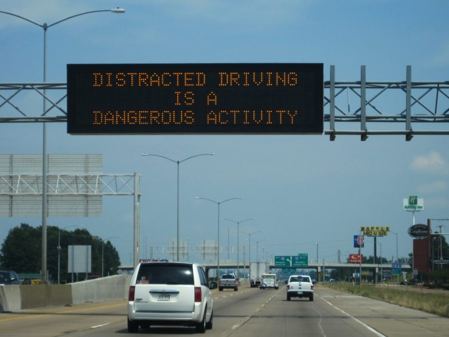 %22Distracted+driving+is+a+dangerous+activity%22+sign+West+Memphis%2C+Arkansas