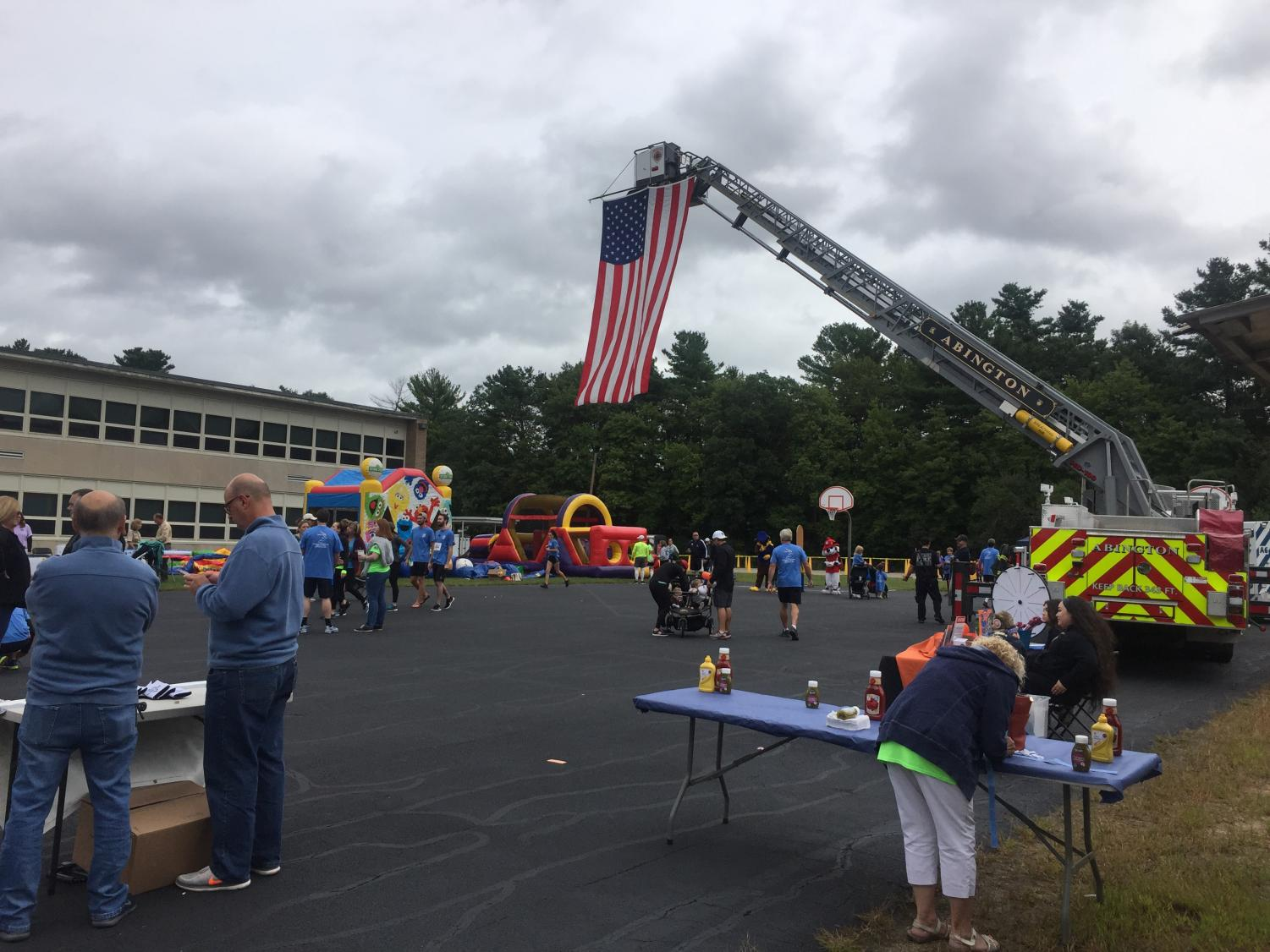 The Coombs Memorial Race was held on Sunday, September 15, 2019 and again featured a large American Flag like this one displayed last year on September 12, 2018.