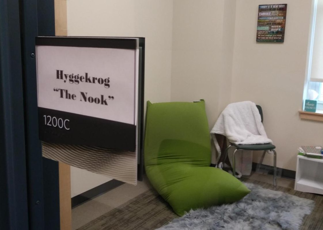 Abington High School's brand-new Hygge Room, located in the guidance department suite, is a room inspired by the Danish philosophy of promoting soft comfort and quiet as a break from the stressful busyness present in life (and school). The room is a place for students to unwind when they just need a break and someone to listen or be close by.