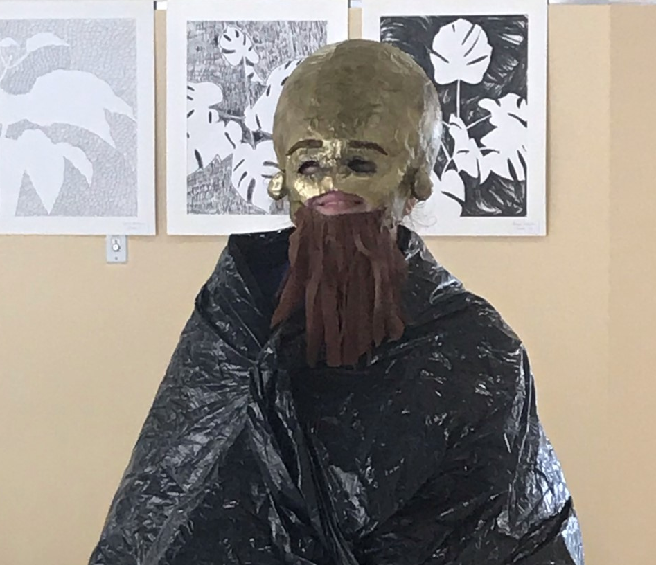 Brandi+Rix%2C+a+sophomore+at+AHS%2C+participated+in+the+fashion+show+Ms.+Kenealy%27s+sculpture+students+put+on+outside+the+library+at+the+high+school+on+Monday%2C+October+7%2C+2019.