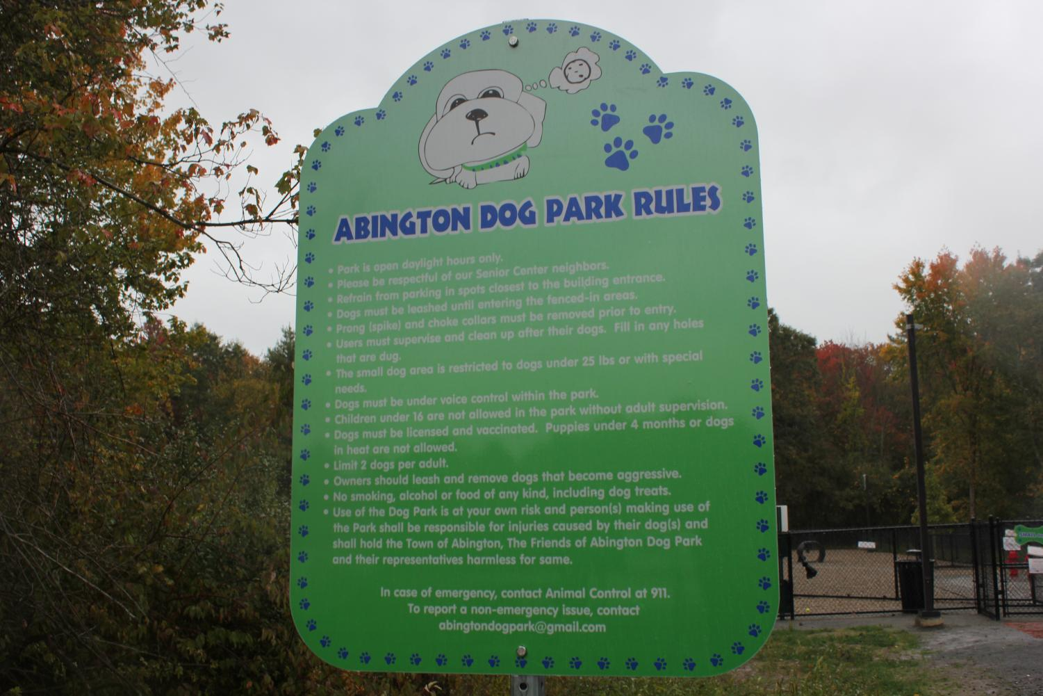 The+rules+at+the+Abington+Dog+Park+are+posted+at+the+entrance.+photographed+on+10%2F9%2F19