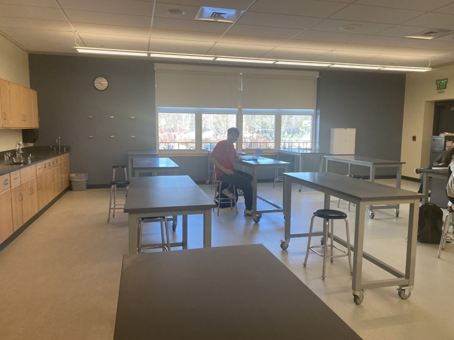 This room belongs to one of the male teachers in science. He teaches physical science and is a Boston College alumni.